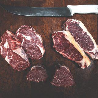 ¿Tienes pensado algún plato con carne para estas fiestas?🎄 En nuestra carnicería encontrarás carnes 🥩seleccionadas por un maestro asador que te asesorará👌para sacarle el máximo partido a la pieza que necesites.🔝 ¡Haremos lo posible para que consigas sorprender a los tuyos!🔥 #ManjaresDelMundo #Shop #Meat #Butcher #Carne #TypicalFood #Food #Foodie #Foodstagram #Foodporn #Oasis #OasisenBarcelona