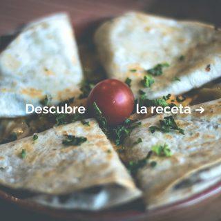 Este año, uvas y quesadillas por nochevieja.🥂 ¿Sabías que con solo 3 ingredientes puedes hacer un entrante irresistible?🤤 Así es, puede solucionarte un aperitivo e incluso una cena. Si eres un auténtico #CheeseLover, apunta la receta.🔥 #ManjaresDelMundo #Shop #Quesadilla #Quesadillas #Cheese #CheeseLovers #TypicalFood #Receta #Recetas #Food #Foodstagram #Foodporn #Oasis #OasisenBarcelona #Mexico #México #Delicious